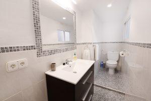 Habitación doble en Apartamento Explanada de Apartamentos Romero en Alicante